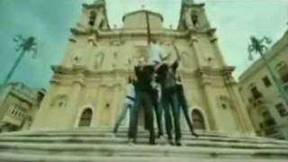 Vinnaithaandi Varuvaaya Anbil Avan Full Real Song