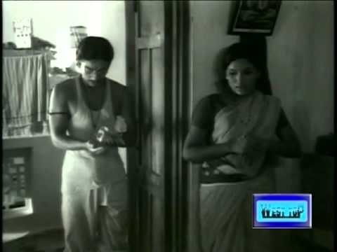 Kamal Hassan In Aval Oru Thodarkathai Tamil Movie Scene