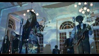 Video Rita Coolidge (ft. Keb' Mo') - Walking On Water (OFFICIAL VIDEO) download MP3, 3GP, MP4, WEBM, AVI, FLV Juli 2018