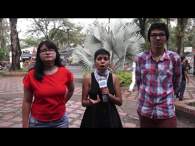 Estudiantes informan sobre el cambio de fecha del ENEES