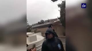 إنقاذ أربعيني حاصرته مياه سيل الزرقاء - (27-12-2018)