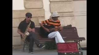 остров Крит, город Ираклион, уличные музыканты Видео 3(, 2013-06-20T20:36:35.000Z)