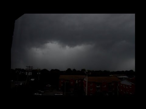 Severe thunderstorm and microburst in Montreal - August 22nd, 2017