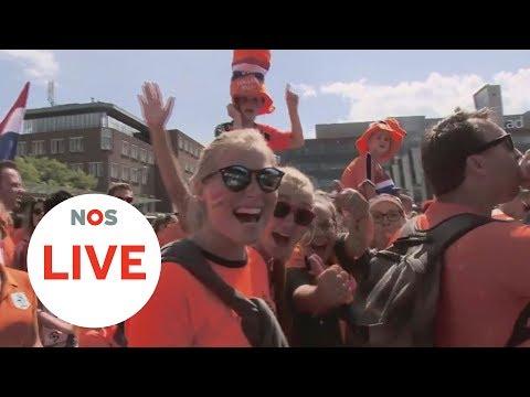 LIVE: Vanuit Enschede, bij de Oranjeparade naar het stadion