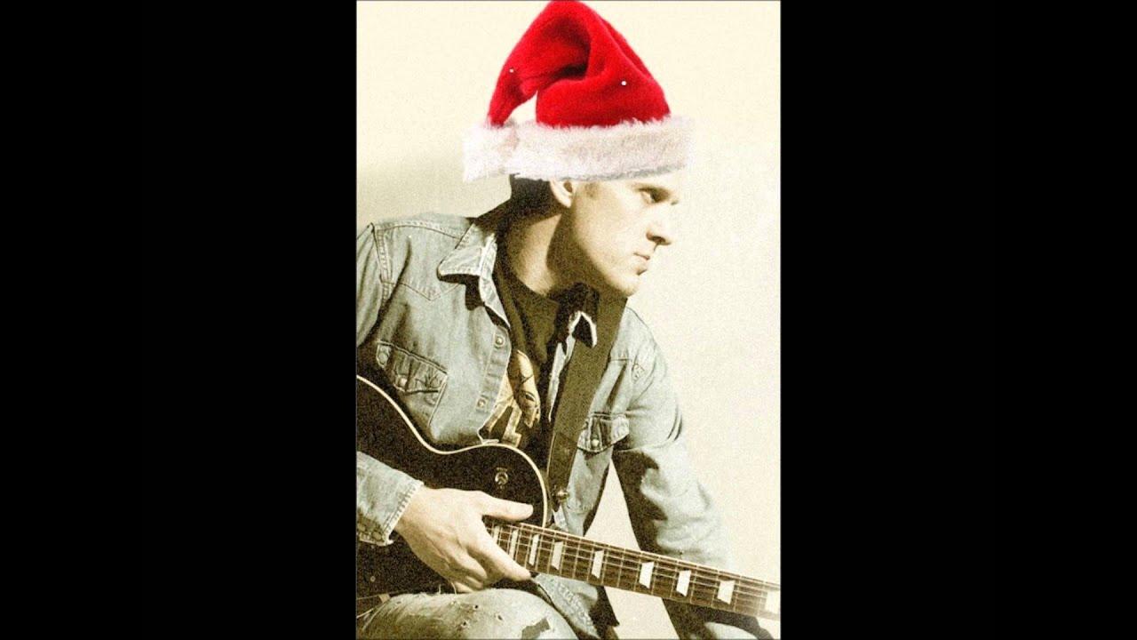 Joe Bonamassa - Santa Claus is back in Town - YouTube