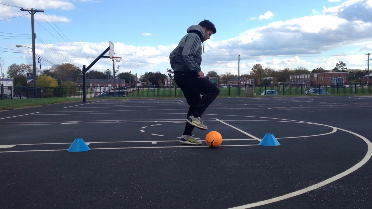 Level 3: Video 2 - Ball Taps 1/4 Turn | Quik Touch Soccer ...