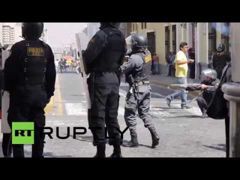 Peru: Rubber bullets fly at anti-mine protest in Arequipa