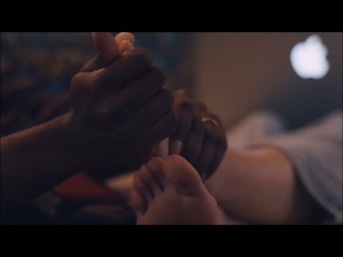 Elizabeth Olsen Feet/Soles