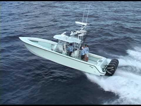 SeaVee 390b Running Offshore in 3-4 ft Seas