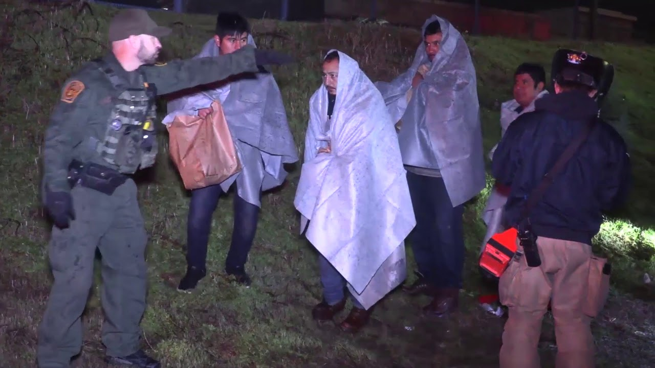 Illegal immigrants rescued at border wall in California after ...