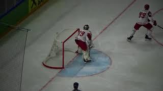 Знакомьтесь - Трус, который играет в хоккей против сборной России.