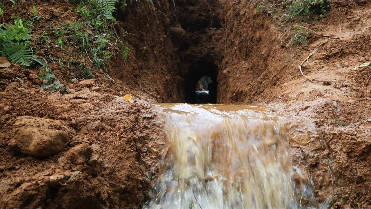 Primitive Technology: Drainage tunnel