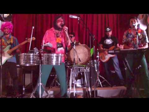 Mighty Groove Y La Melodía Subliminal / Deja de Criticar Y Ponte a Trabajar