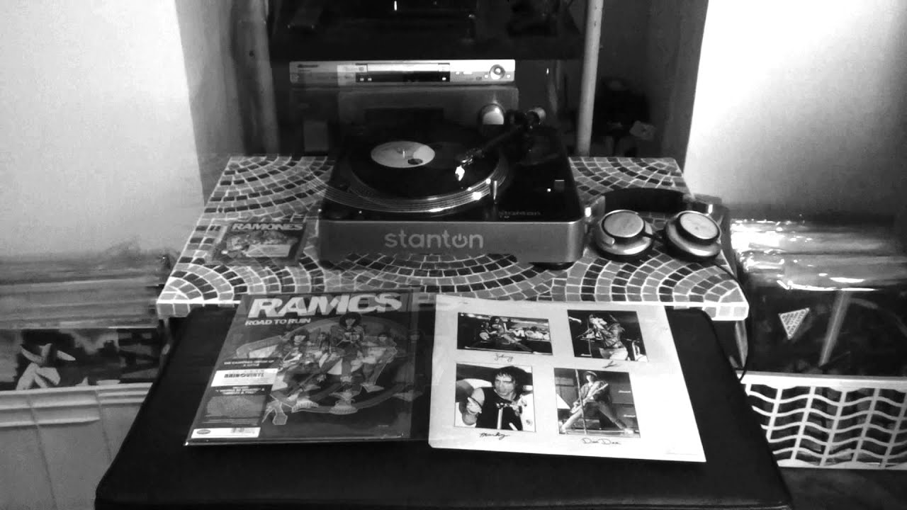 vinyl vs cd questioningly ramones road to ruin rhino records ramoneando youtube. Black Bedroom Furniture Sets. Home Design Ideas