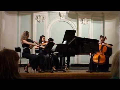 Трек Моцарт - Симфония N 40 соль минор, 1 часть Allegro moderato в mp3 256kbps