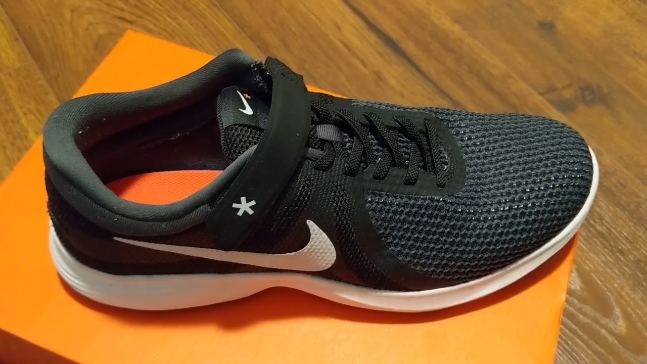 Nike Revolution 4 FlyEase SKU: 8987351