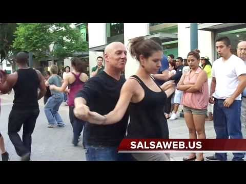 Third Street Promenade Salsa Dancing 1