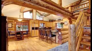 Wnętrza domów z bali drewnianych.