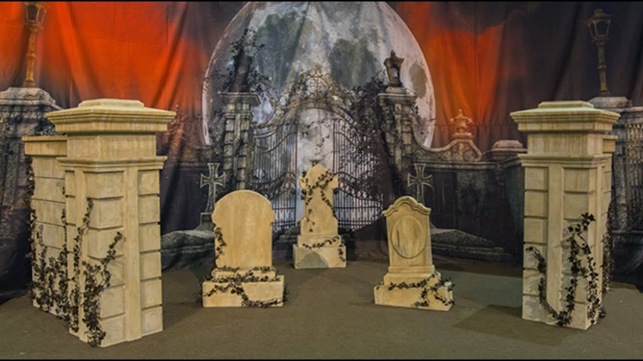 Halloween Graveyard Props