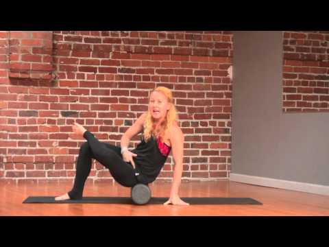 How to Use a Foam Roller Properly + a 5-Minute Routine to Try