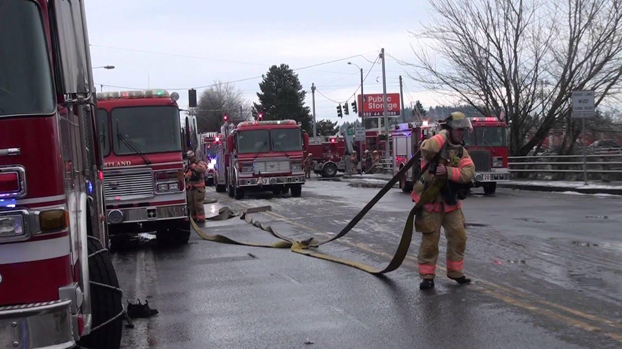 Fire Scene Money Saver Mini Storage Se Portland 01 04 16 2 Pm