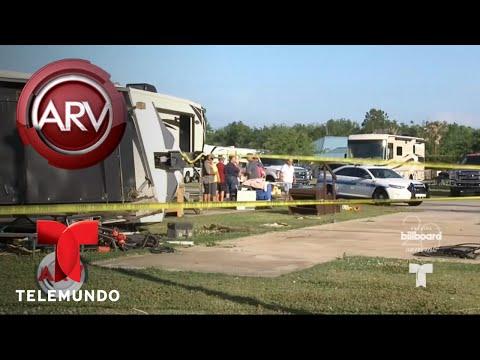 Captan en cámara a un tornado dejando destrozos | Al Rojo Vivo | Telemundo