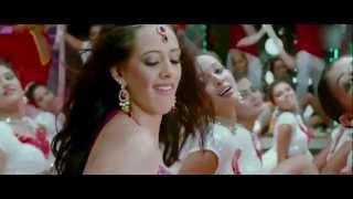 Hazel keech Hot Performance On Honey Singh Live at Nitesh Kunj