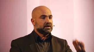 L'E.R.A. delle relazioni: empatia – riconoscimento - ascolto | Luigi De Seneen | TEDxFoggia