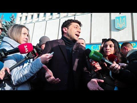 Почему Владимир Зеленский лидирует в президентском рейтинге Украины? Фрагмент Ньюзтока RTVI