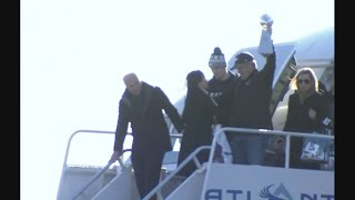 Fans Sing 'Fly Eagles Fly' as Team Returns