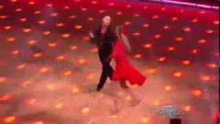 Elizabeth Berkley and Valentin Chmerkovskiy - Samba - Week 2