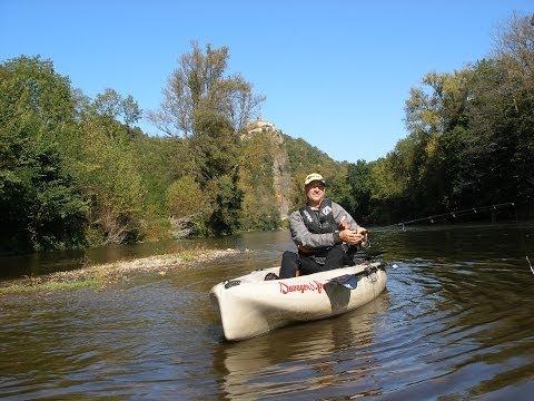 Les vêtements dhiver pour la pêche et la chasse dans le tumulus