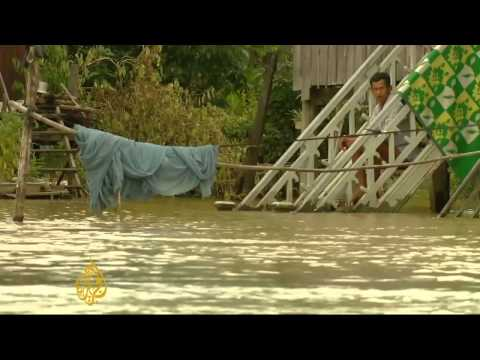 Cambodia floods disrupt life for thousands