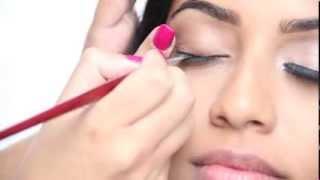 Winged Eyeliner Thumbnail