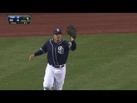 Carlos Quentin robs Adam Lind with diving catch in left