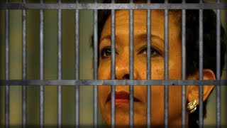 BOOM! WHAT JUST LEAKED ABOUT LORETTA LYNCH'S TESTIMONY COULD PUT HER IN JAIL WITH NO ONE TO SAVE HER