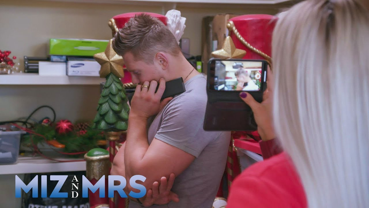 Miz gives an electronics how-to video to the entire Mizanin household: Miz & Mrs., July 23, 2019