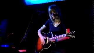 Watch Beth Orton Safe In Your Arms video