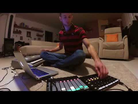 Dylan VoxDesireLive SessionAKAI APC Mini & MIDIMIX
