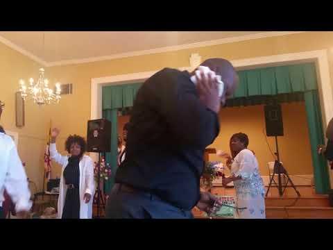 11 Temps de louanges avec Matriarche Kyria Rosemonde Video 2   Groupe Psaume 150   MFCI Church   Cul