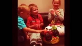 Очень крутое день рождения у брата жаль что я не была😣😣😣😣😣