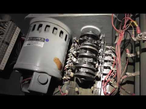 Древний привод дверей лифта MRDS