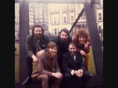 Dubliners - Seven Drunken Nights (with lyrics)