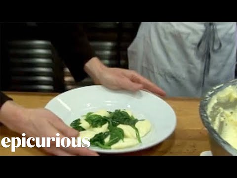 Judy Rodgers of Zuni Cafe Makes Gnocchi