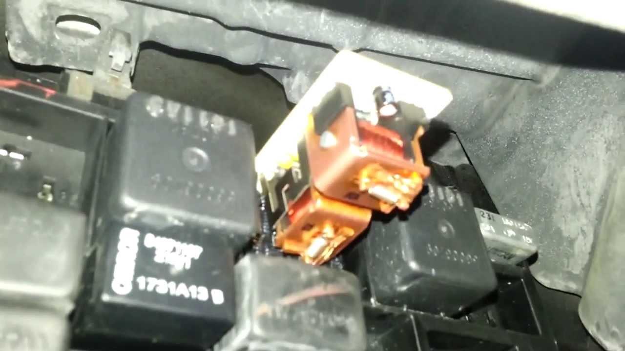 full cheap free oem turn signal blinkers relay failure repair 99 04 jeep wj grand cherokee youtube [ 1280 x 720 Pixel ]