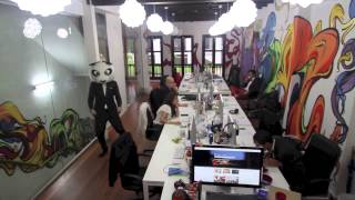 Gambar cover Harlem Shake - Airbnb Office Edition (Singapore)