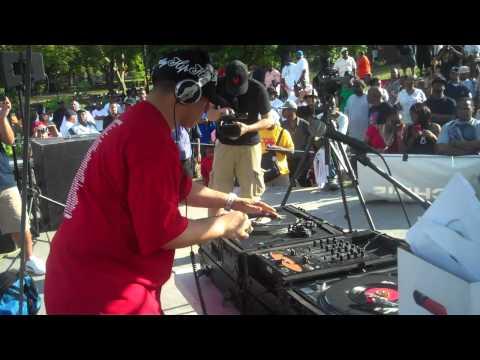 """Kid Capri spinning 45's at crotona park """"Tools of war"""" part 1/9"""