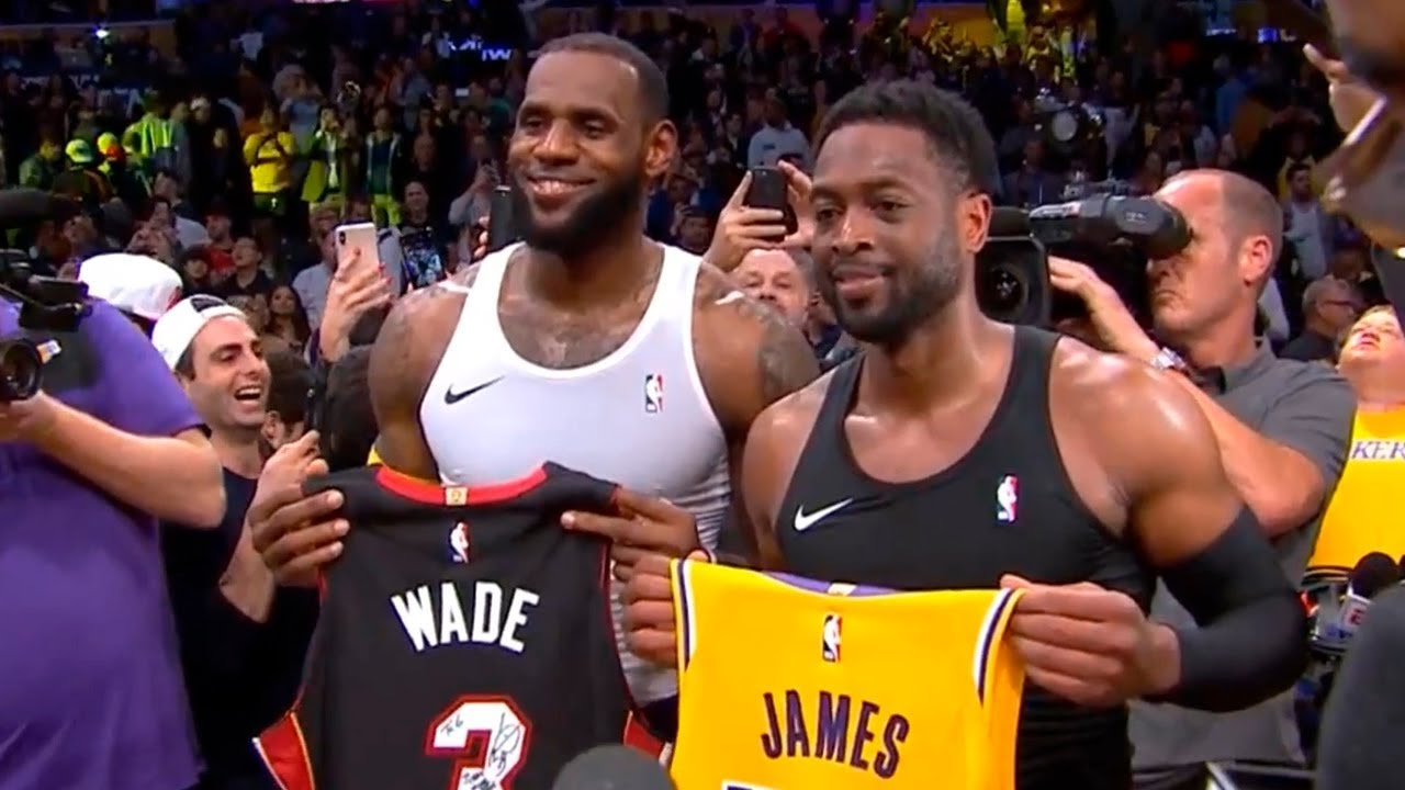 sports shoes 6f1a7 24f1e LeBron James & Dwyane Wade have fun after game ending & jerseys exchange |  Lakers vs Heat