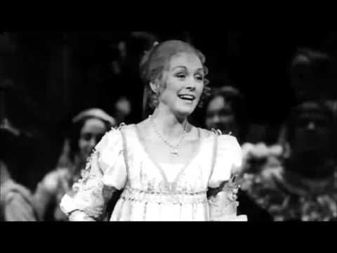 Gounod - Romeo and Juliet - Act 1 - Valerie Masterson
