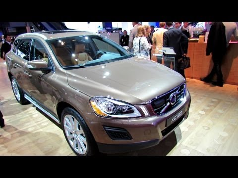 2013 Volvo XC60 D5 Diesel AWD - Exterior and Interior Walkaround - 2012 Paris Auto Show